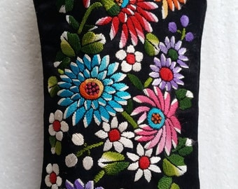 Beautiful Vintage Hand made Flower Eyeglass/change purse perfect condition!! FREE SHIPPING