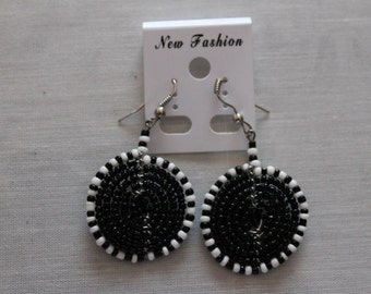 Black and White Disc Shaped Beaded Earrings