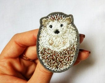 Embroidery hedgehog brooch | Woodland animal brooch | Cute autumn gift | Hand embroidery woodland brooch hedgehog | Cute hedgehog jewelry