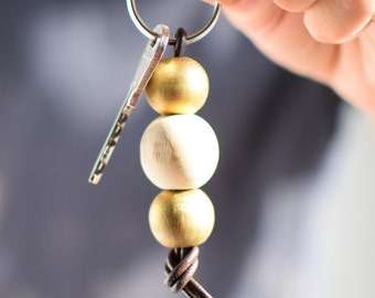 Wooden bead keychain, gold