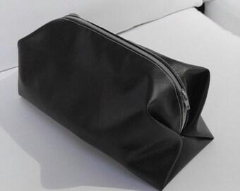 Make up kit or travel bag