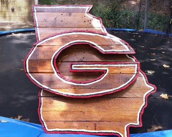 University of Georgia Bulldogs Wooden Pallet Hand Painted/Stained Logo