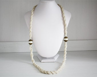 Vintage necklace torchon in micro white beads, 20 years