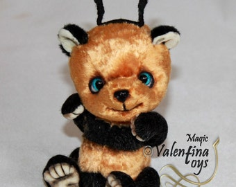 Teddy bee bear