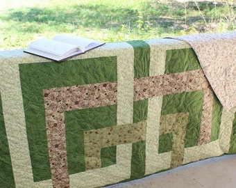 "Green King Quilt, Home Decor, Home and Living, Modern Quilt, Sage green, Handmade Quilt, Bed Quilt, Contemporary Quilt, 94"" x 116"","