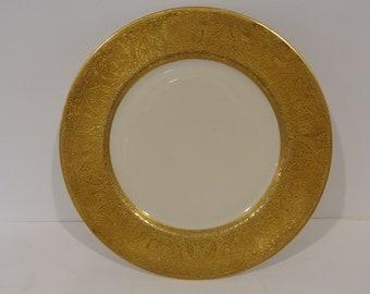 Vintage 22K GOLD trim Hutschenreuther Selb Bavaria Dinner Plate