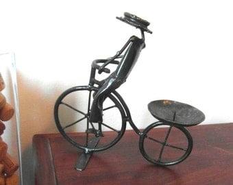 """Der """"Bicycle Man"""" bringt Licht ins Dunkel"""