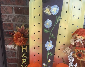 Hand painted old saw (flowers)