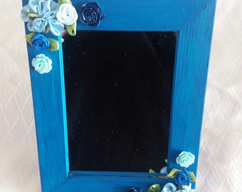 Decorated mirrors with hook