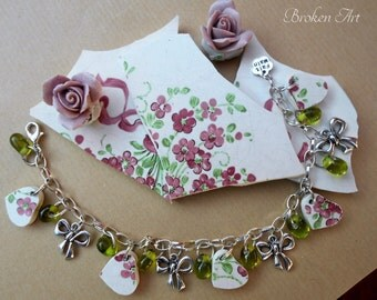 Charm bracelet made with old crockery / Broken China Jewelry