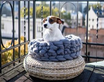 Giant chunky merino yarn pet nest, 100% merino wool, arm knitted, giant knits