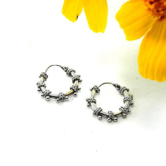 Silver Hoop Earrings, Small Hoop Earrings, Minimalist Hoops, Huggie Hoop Earrings Gift for Her, Teen Gift, Unisex Hoops dainty delicate