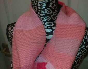 mutli-tonal pink snood in thick band stripes