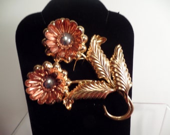 Retro Style Floral Brooch with Very Dimensional Design-Large Size