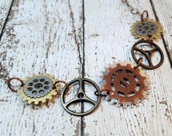Steampunk Graduated Gear Necklace, Gear Necklace, Steampunk Jewelry, Gear Necklace, Industrial Necklace, Mechanical Inspired