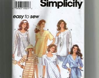 Simplicity Misses' Pullover Top With Neckline Variations Pattern 8853