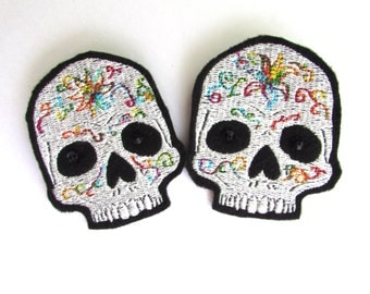 Painted Skull machine embroidered shoe clips