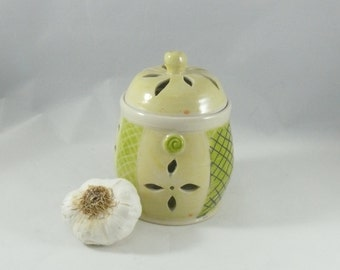 Ceramic Lidded Jar for storing garlic, Best Ceramic Garlic Keeper, Storage Jar, ceramic kitchen canister with lid, art vessel  G18