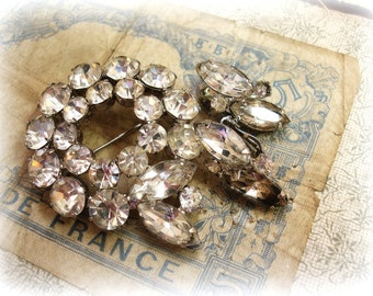 vintage WEISS rhinestone brooch and matching earrings in original box demi parure signed WEISS