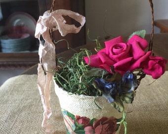 Peat pot rose flower arrangement