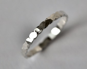 Hammered Scalloped Ring Size 6