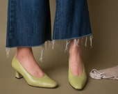 no more clouds lime green pointed toe pumps / leather pumps / colorblock heels / 6 M / 577s
