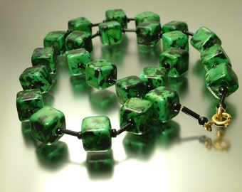 Vintage/ estate 1960s marbled mottled green cube plastic bead costume necklace - jewelry jewellery UK seller retro