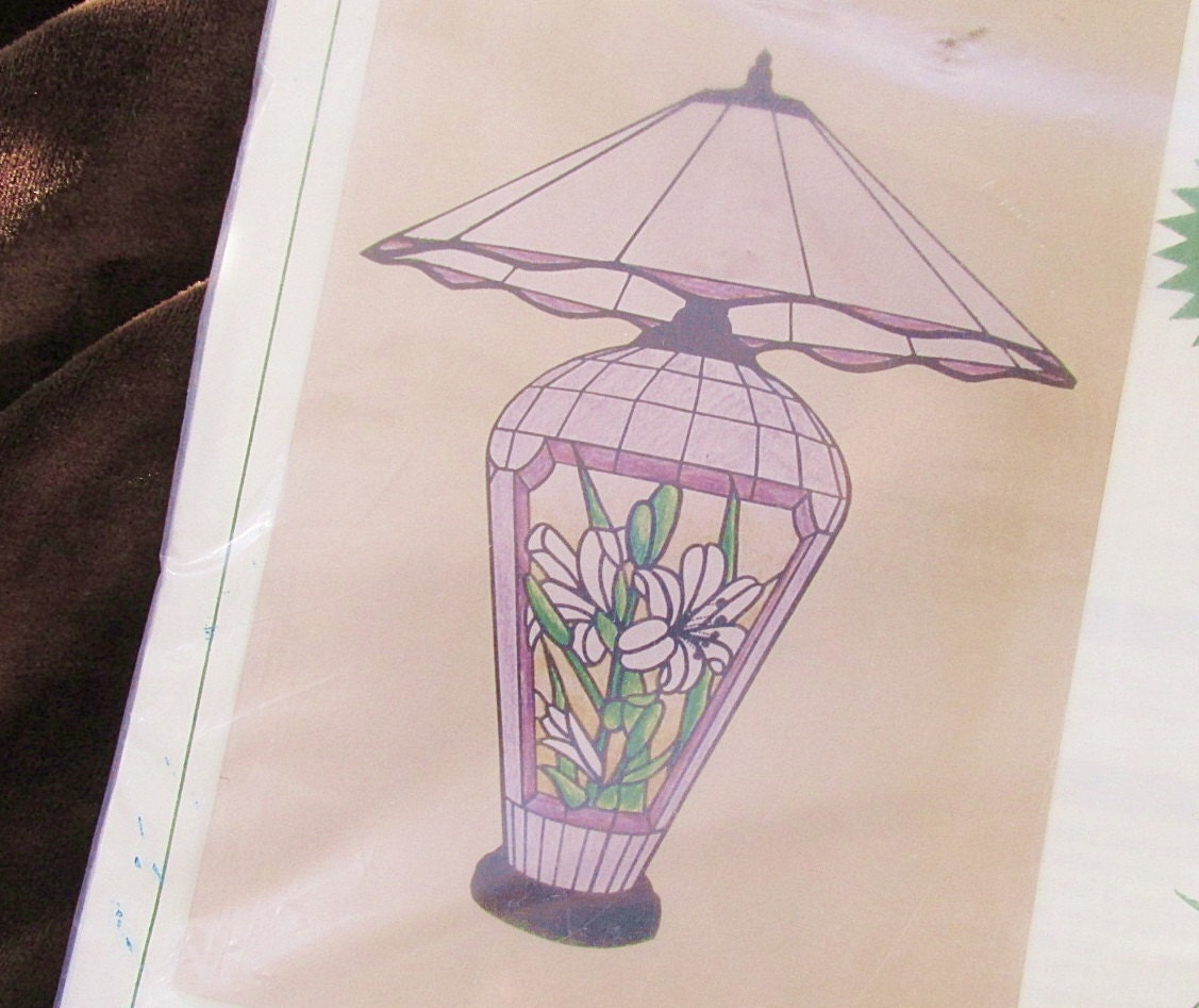 Bradley Stained Glass Lamp Pattern for Full Form Base Lily