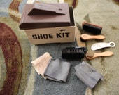 VINTAGE Shoe Kit with buffing and polishing parts
