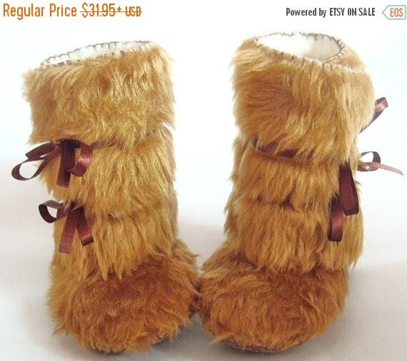 20 % off Fall Sale As seen on The Ultimate Baby Shower Gift by Cool Mom Pick Fur Baby Boots Beige Baby Shoes Faux Fur Baby Booties Baby Phot