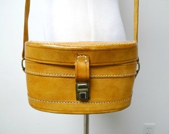 SALE!!!  JACQUELINE . leather shoulder bag / case