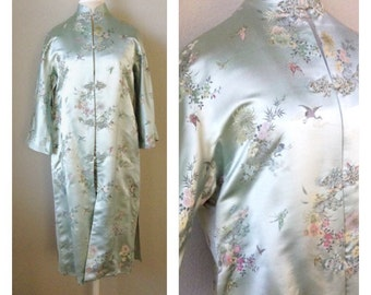 Vintage 60s silk Brocade Dynasty crane print jacket / silk robe / Asian / Mad Men / costume / theater / boho / goth