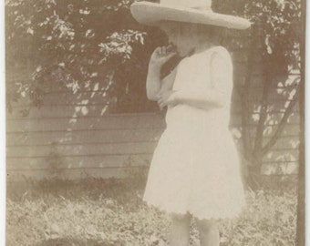 vintage photo 1909 Young Girl LAce Dress BAre Feet Cowgirl Hat