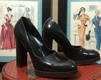 1990s platforms vintage shoes Gucci heels 90s shoes patent leather heels round toe shoes size 7