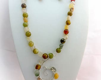 Honey Jade Necklace, Earrings and Pendant Set