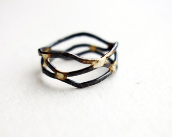 Black and Gold Flow Ring