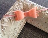 Mini Peach Bow Headband // Felt Bow // Skinny peach elastic // Peach Bow // Newborn // Baby Headband // Mini Bow // Pink // Hair Clip