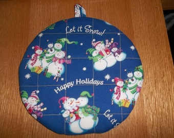 Hot Pads Quilted Christmas Snowman Round Pot  Holder Cotton Fabric Double Insulated Trivet 9 Inches on Blue Background