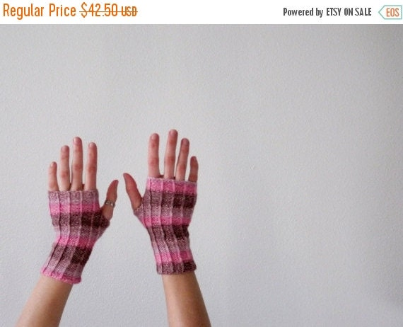 Sale Candy Hearts Fingerless Gloves Hand Knit in Pinks and Purples