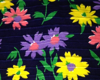 Bright Vintage 1970s Floral Fabric - 2 1/2 Yards - Fabric Yardage / Fabric Yardage / Cotton Fabric/ 1970s Fabric / 70s
