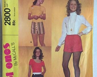 "Vintage 1971 McCall's Misses' Hot Pants Pattern #2800 Waist 24"" Hip 34 1/2 - OH  - Vintage McCall's Pattern / 60s McCall's / Short Shorts"
