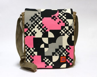 Canvas Messenger Bag upcycled with original vintage fabric - graphic decor in pink and black