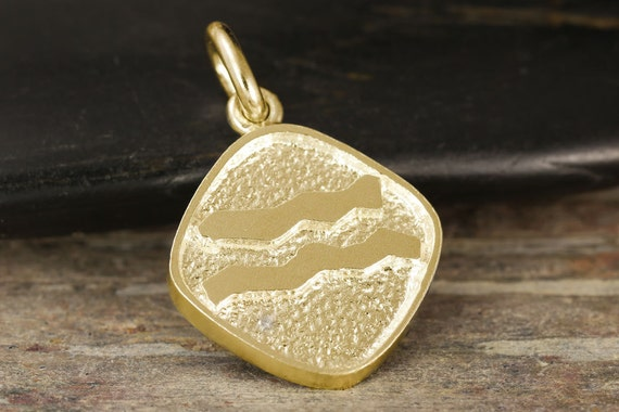 Aquarius zodiac pendant in gold - Double sided, yellow gold, white gold, rose gold, 10kt, 14kt, 18kt
