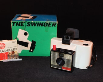 Vintage White Polaroid Swinger Model 20 Camera in Original Box with 4 Flash Bulbs