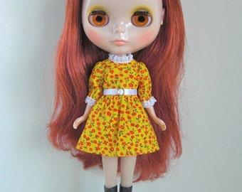 Dance floor dress yellow for Blythe