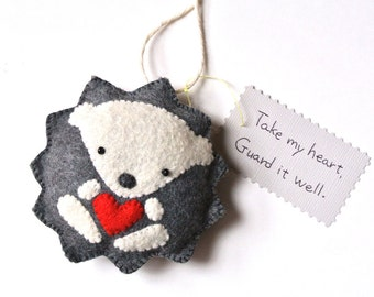 Hedgehog Ornament Hedgehog Wall Hanging Woodland Home Decor Handmade Felt Hedgehog Gift for Him Couple Gift Dark Gray Red Heart Hedgehog