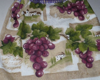 Tuscany Grapes on Crocheted Kitchen Towel