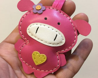 Small size - Polly the Pig cowhide leather charm ( Fuschia )