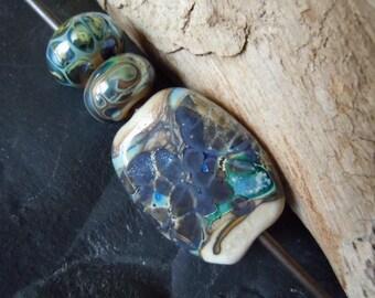 Fine Silver n Ivory. Hematite Metallic Sheen. Focal n Spacer Handmade Lampwork Glass Bead Set. Jewelry Supply. LWS-77