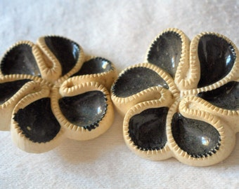 Set of 2 VINTAGE Black & White Flower Plastic BUTTONS
